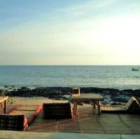Beachside Bar